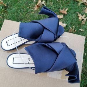 No. 21 Navy Satin Knot Flat Sandals Size 37 NWOB